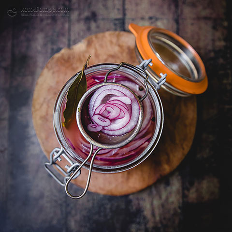 Quick & Easy Pickled Onions
