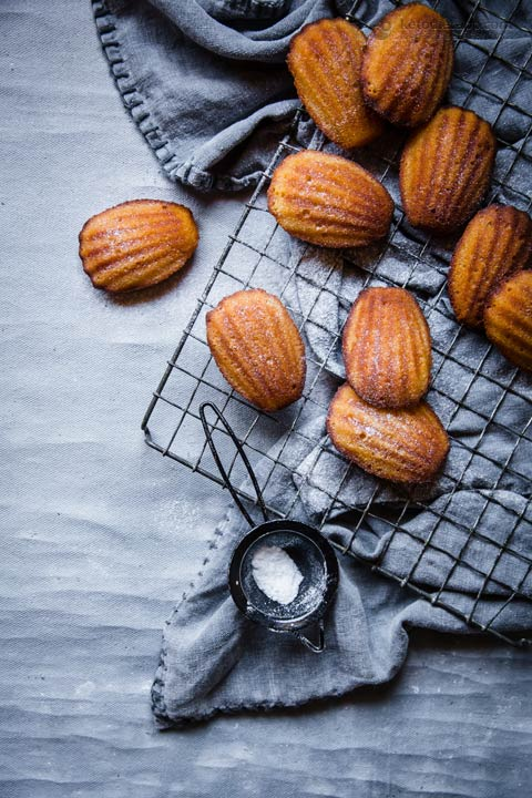 Low-Carb Madeleines