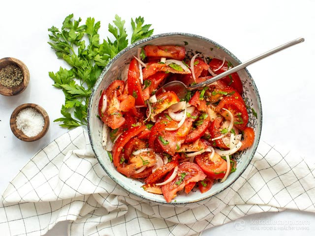Easy Low-Carb Tomato Summer Salad