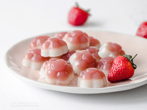 Easy Low-Carb Strawberry & Cream Jellies