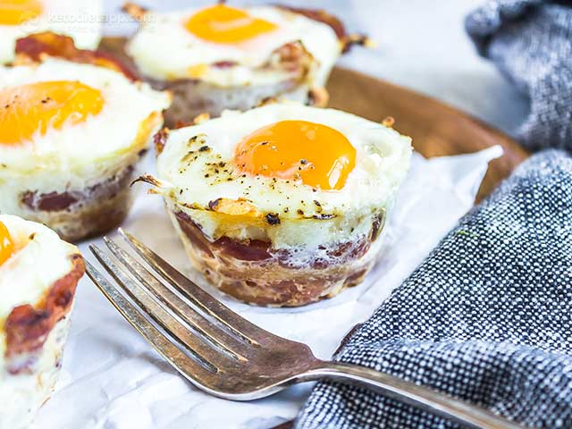 Keto Bacon Cheddar Egg Cups