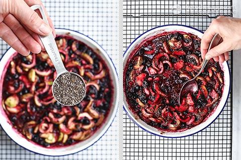"""Ribes nero a basso contenuto di carboidrati e crumble di mele """"title ="""" Ribes nero a basso contenuto di carboidrati e crumble di mele (keto, paleo, senza zucchero) """"/> </li> <li itemprop="""