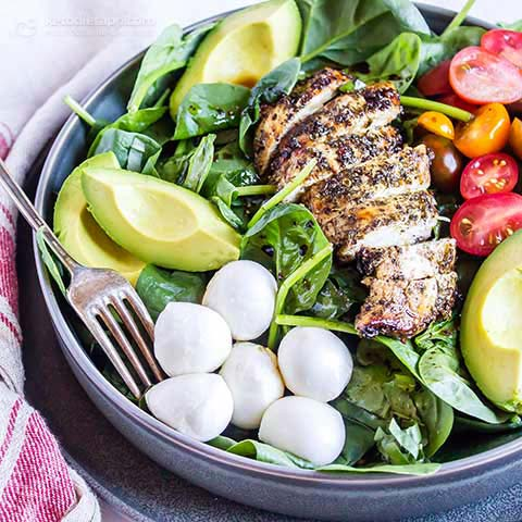 Low-Carb Caprese Chicken Bowls
