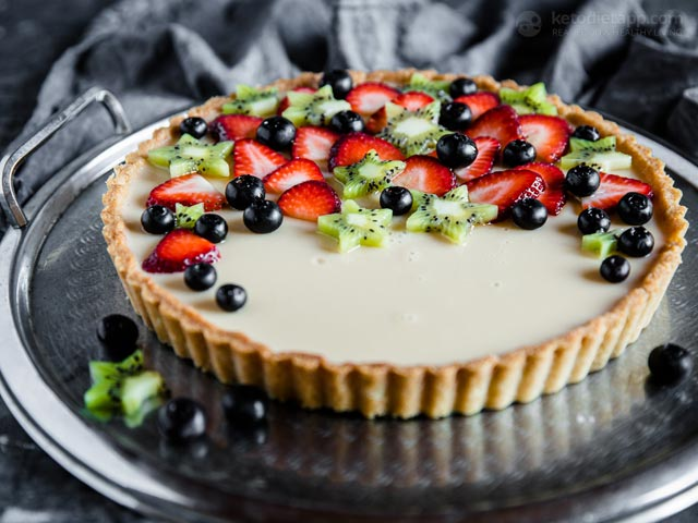 Low-Carb Fruit Flan Pie