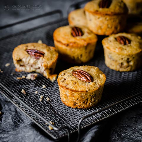 Low-Carb Caramel Maple Pecan Muffins