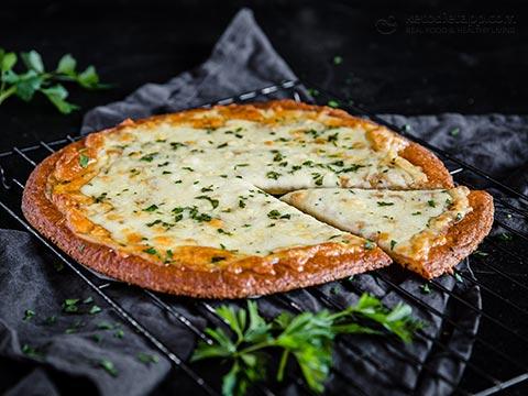 Keto Classic Cheese Garlic Pizza