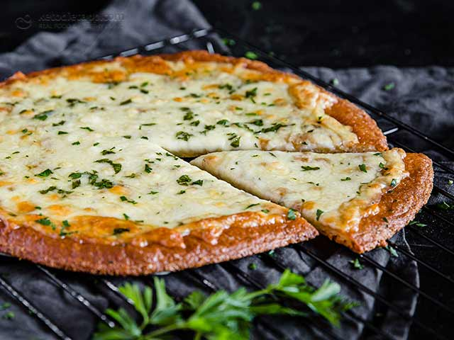 Keto Classic Cheese Garlic Pizza