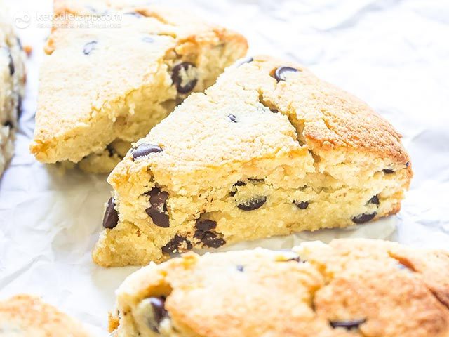 Easy Low-Carb Chocolate Chip Scones