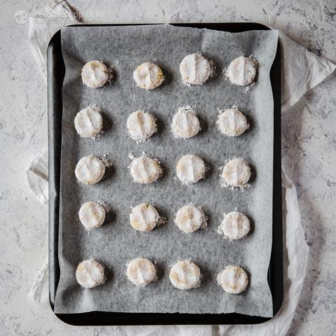 Chewy Keto Amaretti Biscuits