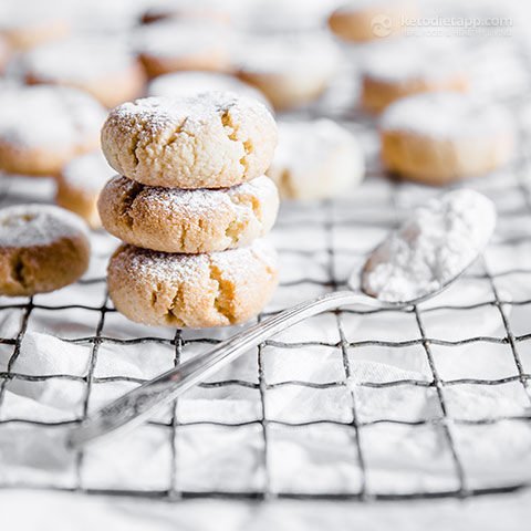 Chewy Keto Amaretti Biscuits