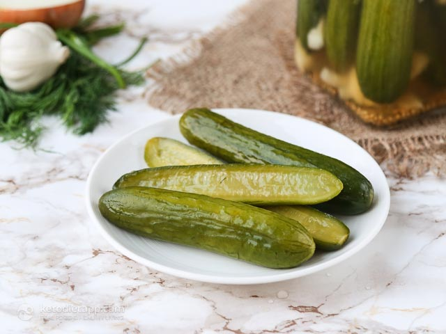 Low-Carb Refrigerator Gherkins