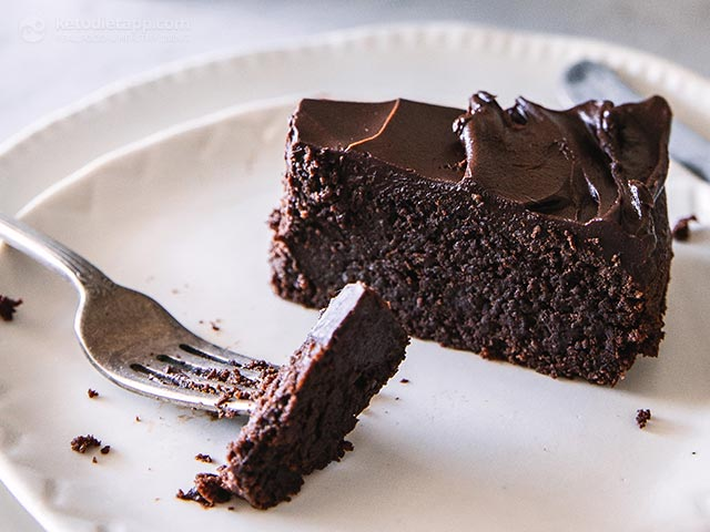 World's Best Keto Chocolate Cake