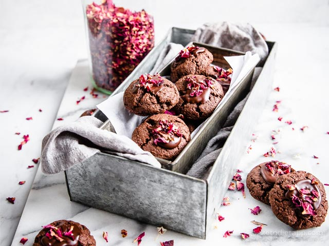 Romantic Chocolate, Cardamom & Rose Petal Cookies