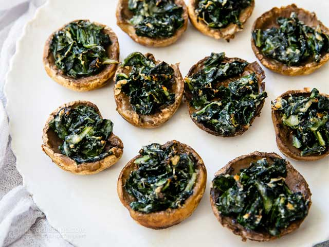 Low-Carb Cheesy Spinach Stuffed Mushrooms