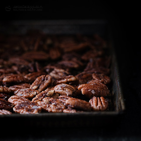 Low-Carb Caramelized Pecans