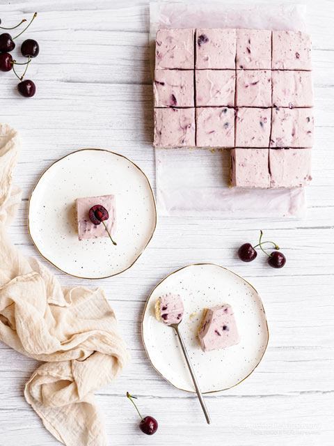 Low-Carb No Bake Cherry Cheesecake