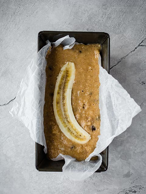 Low-Carb Chocolate Chip Banana Bread