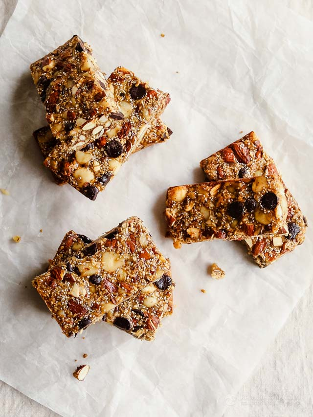 Chewy Keto Chocolate Chip Granola Bars