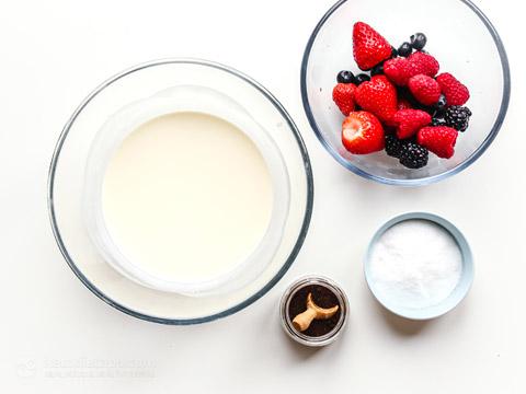 Keto Berry Cheesecake Jars