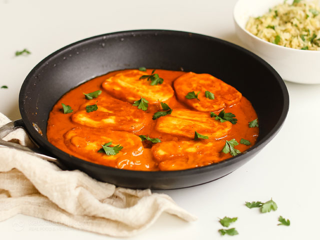 Low-Carb Curried Halloumi Skillet