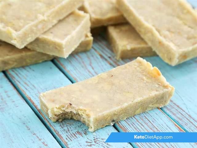 Almond & vanilla protein bars