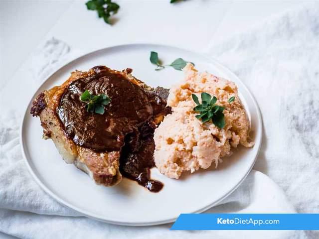 Pork chops with BBQ glaze