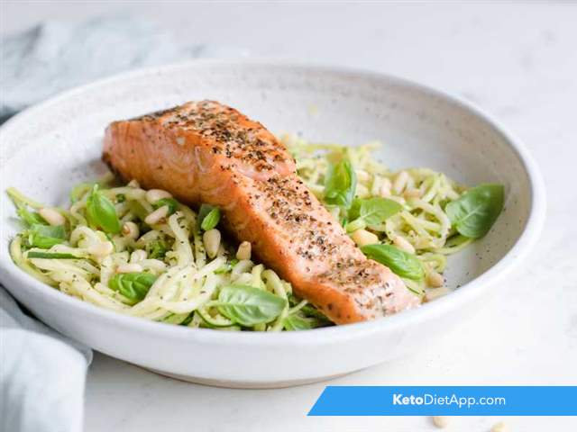 "Salmon with pesto ""zoodles"""