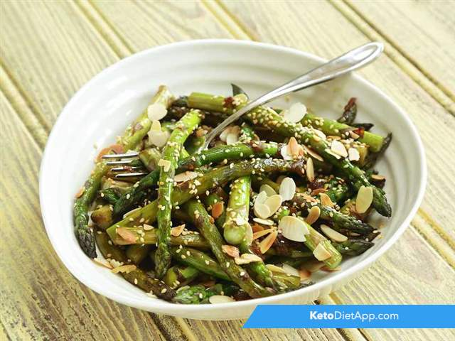 Asian quick asparagus salad