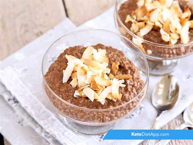Chocolate keto oatmeal