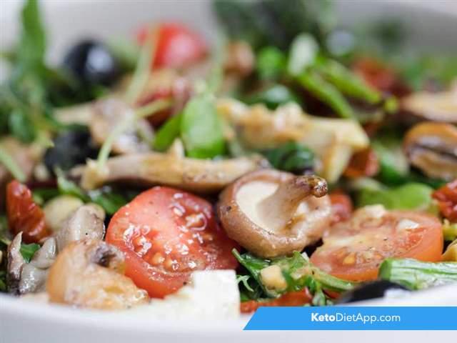 Warm artichoke & mushroom salad