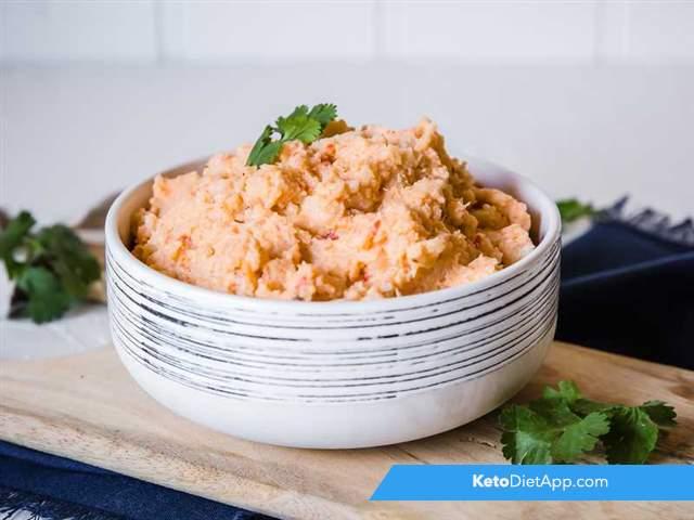 Cauliflower pesto mash