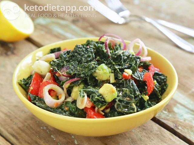 Avocado & kale salad
