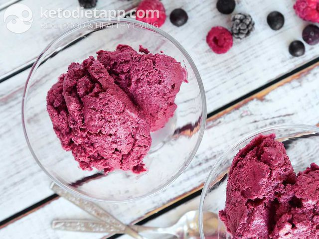 Fat-burning berry ice-cream