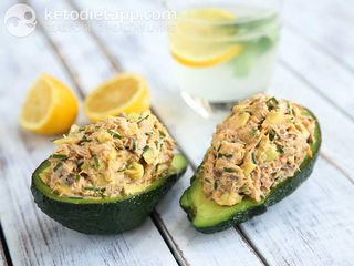 Mackerel stuffed avocado