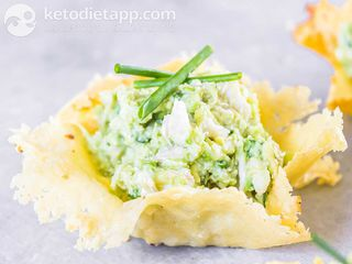 Cheese, crab & avocado cups